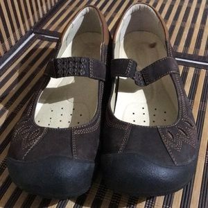 Keen Mary Janes Brown Leather Loafers Excellent